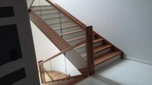 Обшивка бетонных лестниц деревом